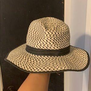 Calvin Klein beach hat